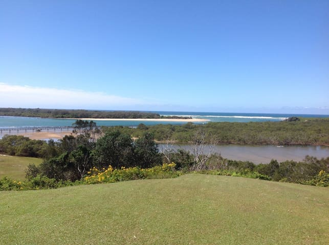 Amazing ocean view beach house - Urunga - House