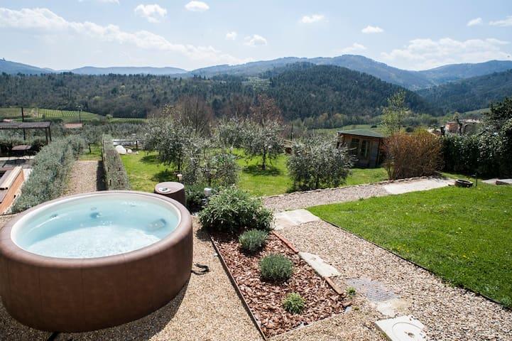 Pinkhouse: casa con giardino panoramico