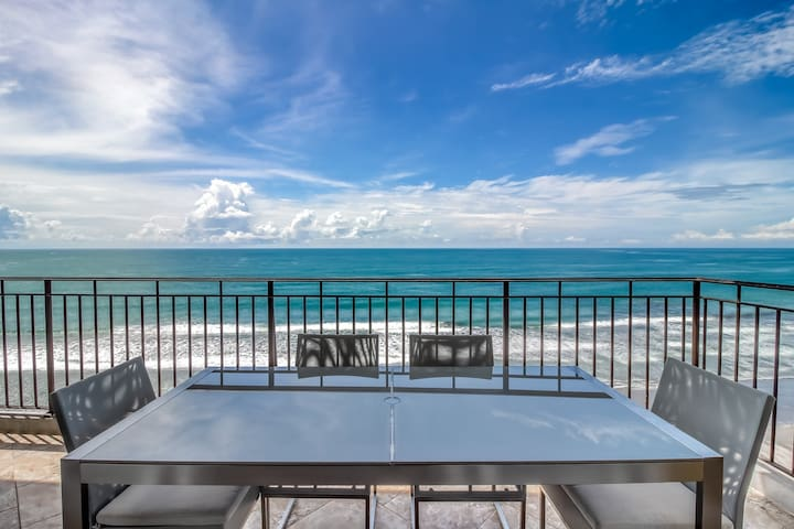 Luxury beachfront condo w/stunning views. shared pool and access to the beach