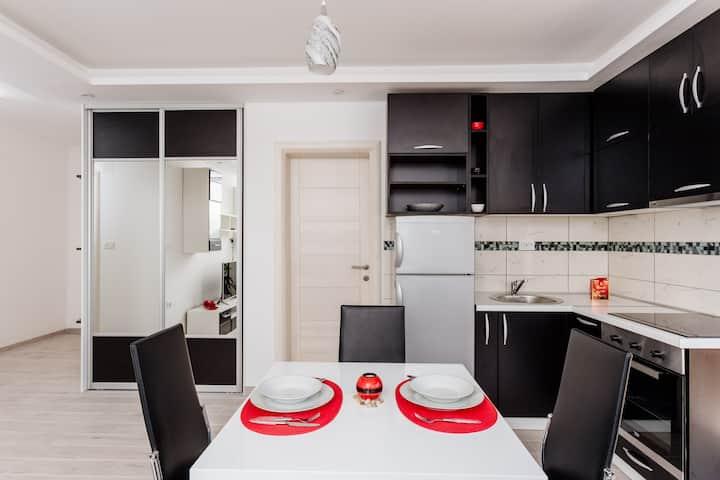 Dream Vacation Apartments- Black Apartment