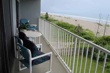 LUXURY OCEANFRONT CONDO-FABULOUS VIEWS-3RD FLOOR - Cocoa Beach - Departamento