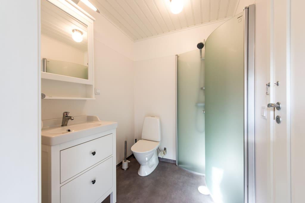 Nybyggd dusch och wc