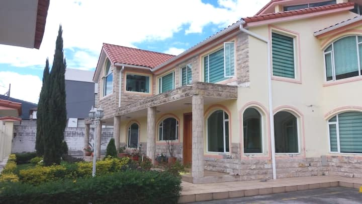 Habitaciones en casa para turistas y estudiantes.