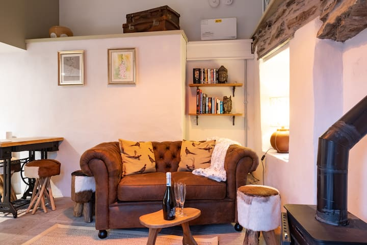 The Little Piggery - Escape to a cosy hideaway