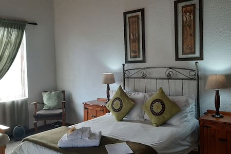 Room No 6 / Double with sleeper couch for the little ones / en-suite bathroom with shower and bath