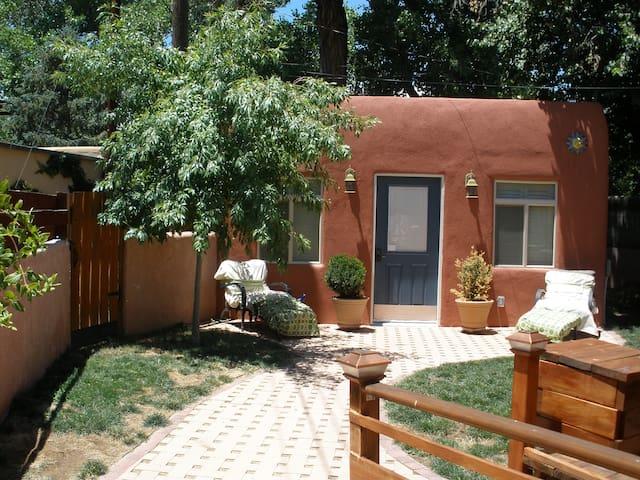 Huning Castle Casita - Albuquerque - Guesthouse