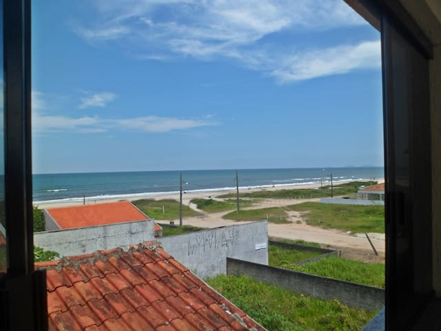 Apartamento na quadra do mar com vista para o mar - Guaratuba - Apartment