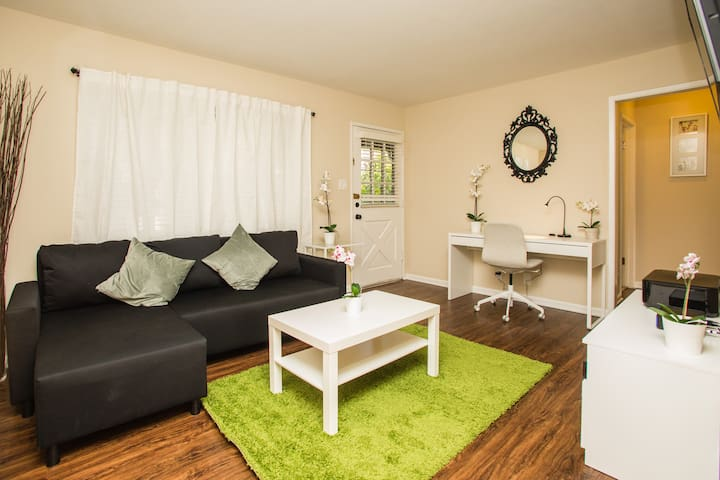 Charming 1br Mtn View apt w/Parking & Laundry - Mountain View - Apartamento