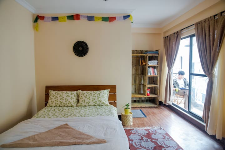 Sunny suite in walkable neighborhood near Patan