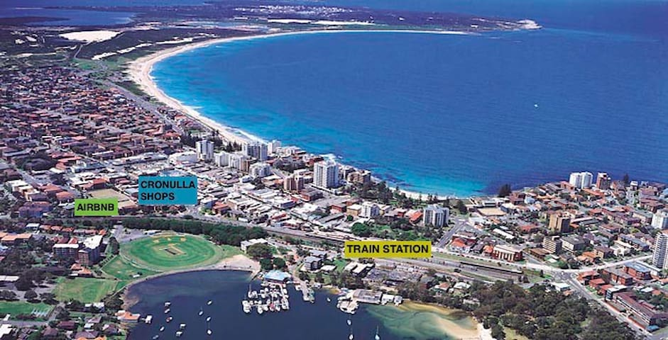 Central 2-Bed unit - Walk to Beach/Train/Shops - Cronulla