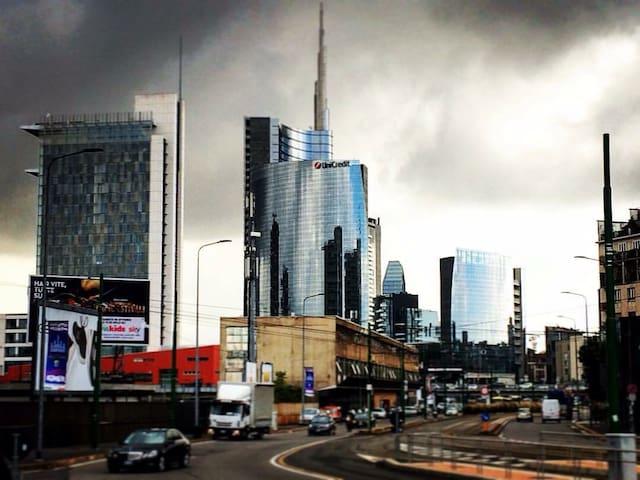 Out magnificent Milano, la nostra meravigliosa Milano