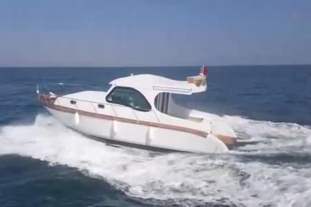 İzmir'de Tekne Turu