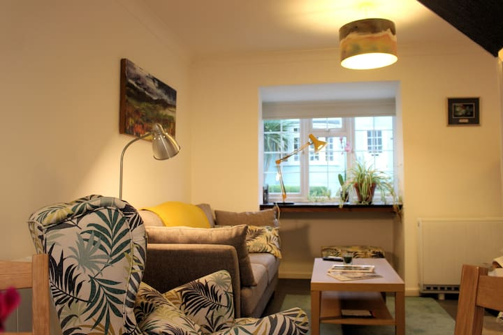 A Modern 2 Bedroom house in a Historical Location.