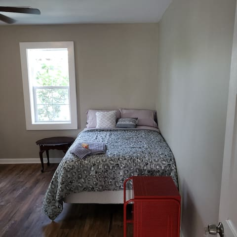Langston on Liberty Private 1 bed /1.5 bath