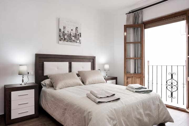 APARTAMENTO EN CASCO ANTIGUO. PARKING OPCIONAL - Antequera - Appartement