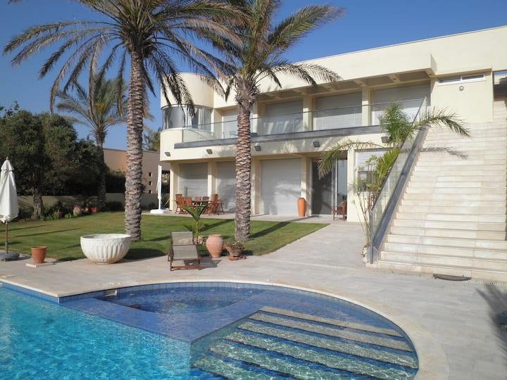 Vintage 5* Villa with Swiming pool