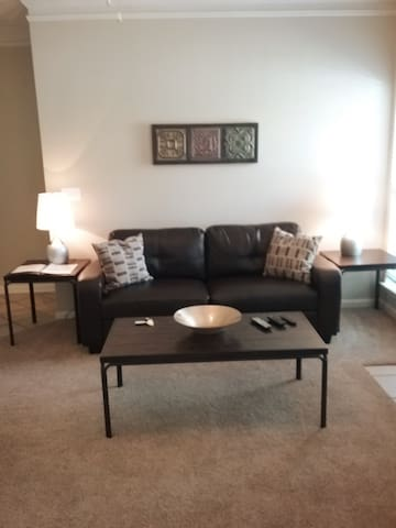 Clean and Comfortable 1 Bedroom Apartment!