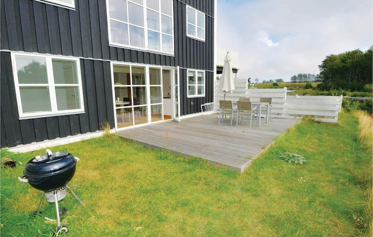 Terraced house with 2 bedrooms on 57m² in Ebeltoft