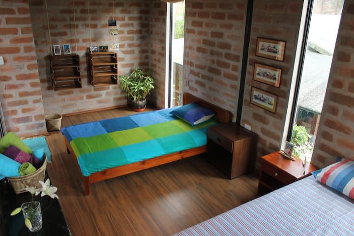 Guest house Sirañan (Casa de Lucía)