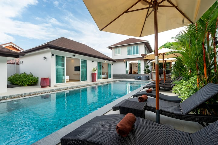 NEW 5-bedroom Villa, SUPERB Pool,  Nature, Naiharn