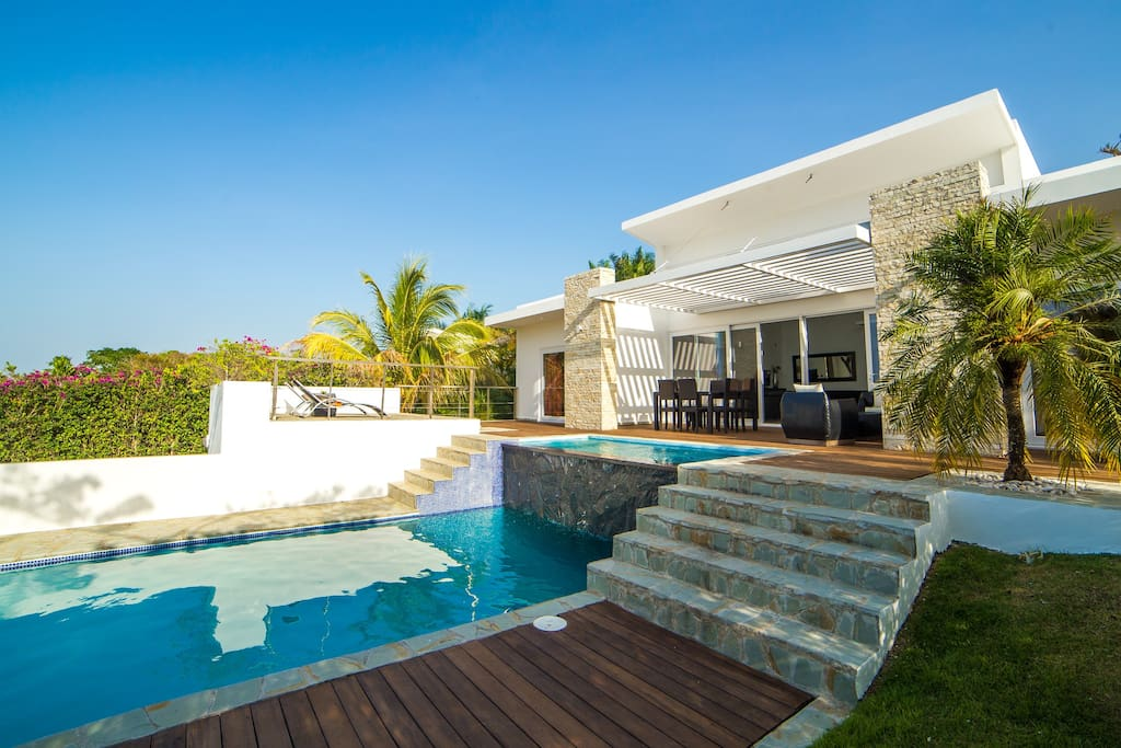 terrace in deck and pool on 2 nivel