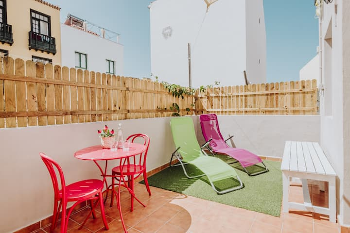 Old House Town Centre, with Roof terrace and free WiFi