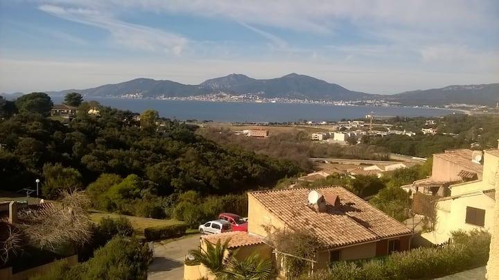 Studio,terrasse vue mer, Porticcio, piscines