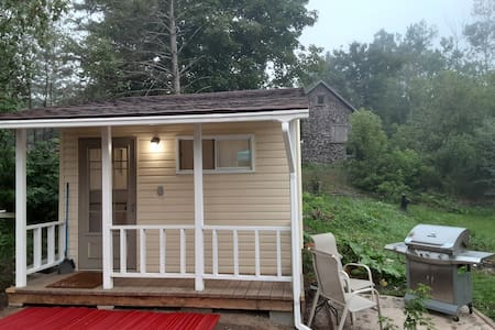Private Guesthouse.  Glamping with electricity.