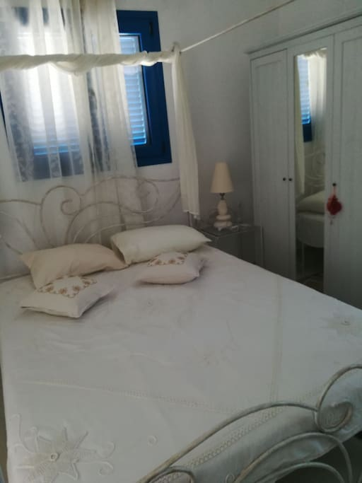 Room no1 - Romantic double bed.