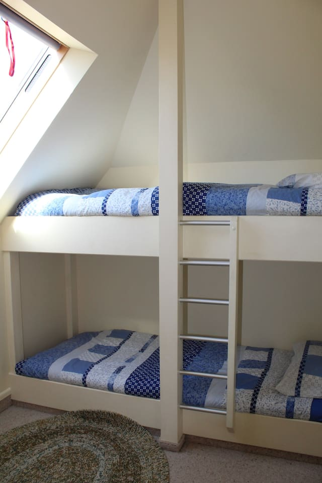 Second bedroom with two bunk beds