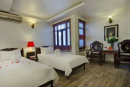 Superior twin room - Hanoi