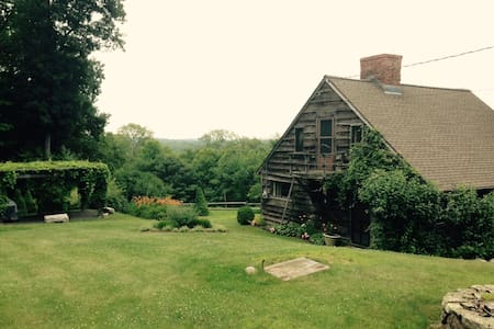 The House on the Hill - Litchfield