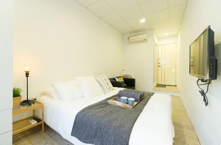 SimpleApartment for 1-2 guests - 3min Ximen MRT