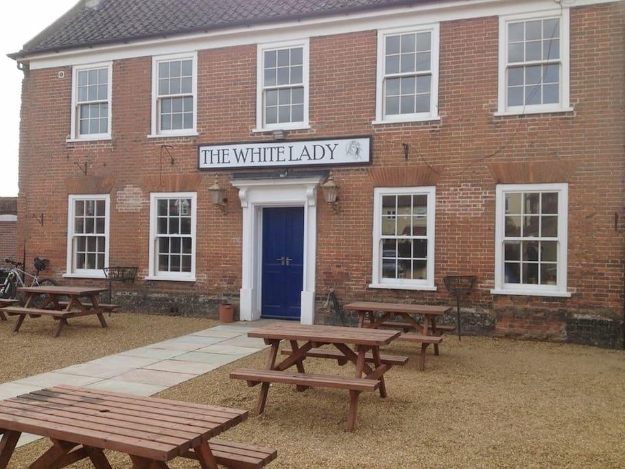 The White Lady pub, restaurant & B&B