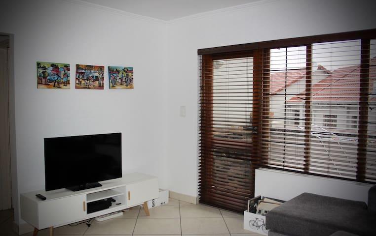Modern cosy apartment in Rivonia - Sandton - Wohnung