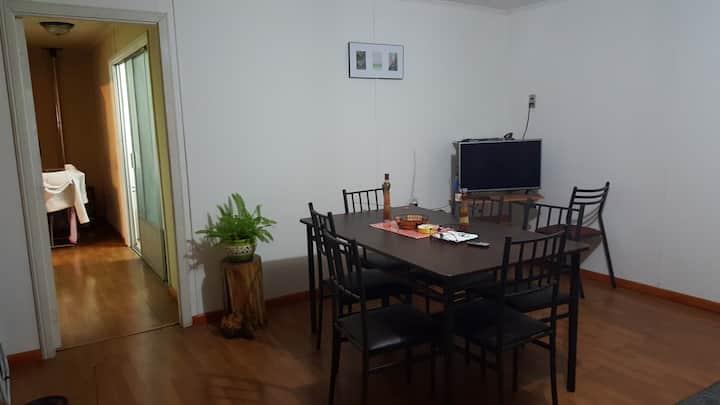 Room con bigbed-baño compartido,Cocina y lavadora