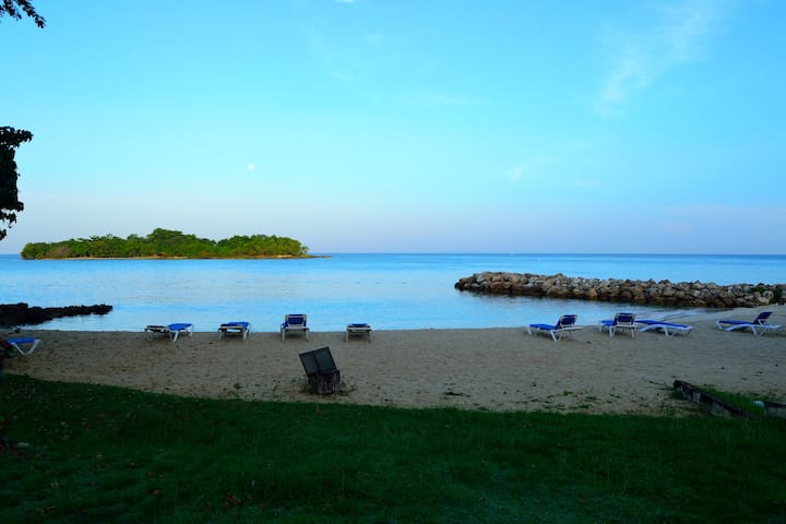 Beach, Sunset, Snorkeling, Negril Jamaica Condo - Negril - Lejlighed