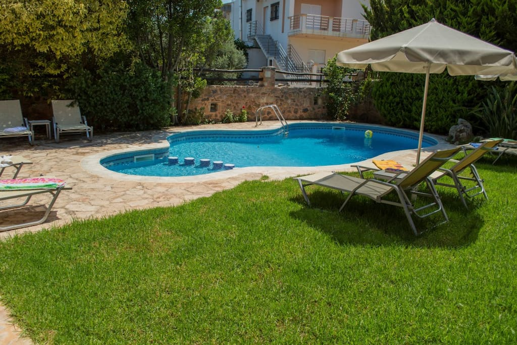 shared pool and garden