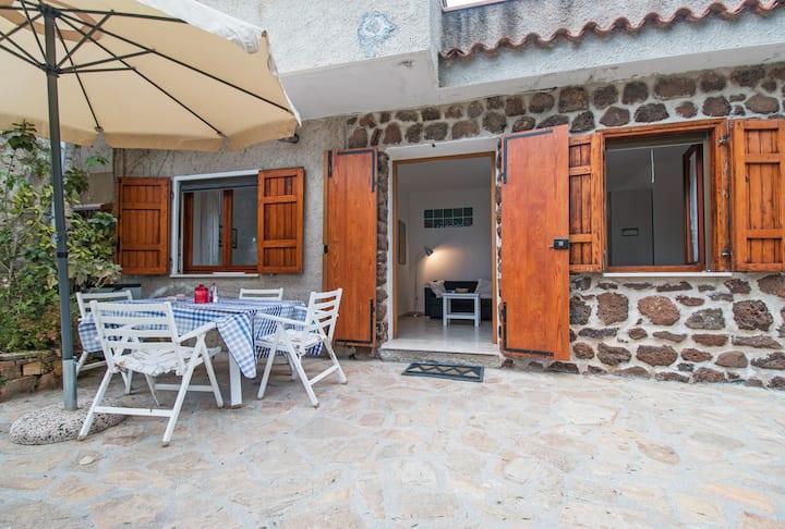 Lovely house near the sea, Sas linnas siccas