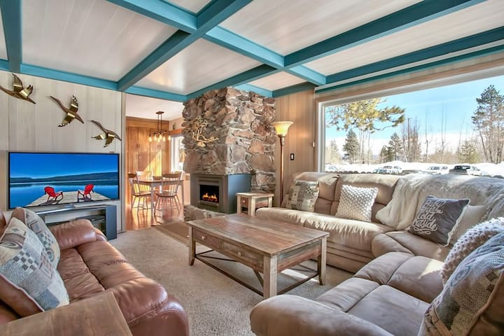 Beautiful Kings Beach 2 Bedroom Home - Tahoe Vista - Hus