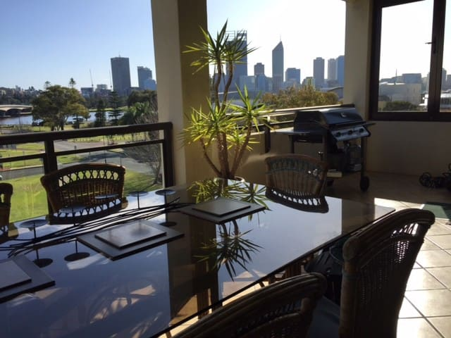 Resort Style B & B in  South Perth - South Perth - Bed & Breakfast