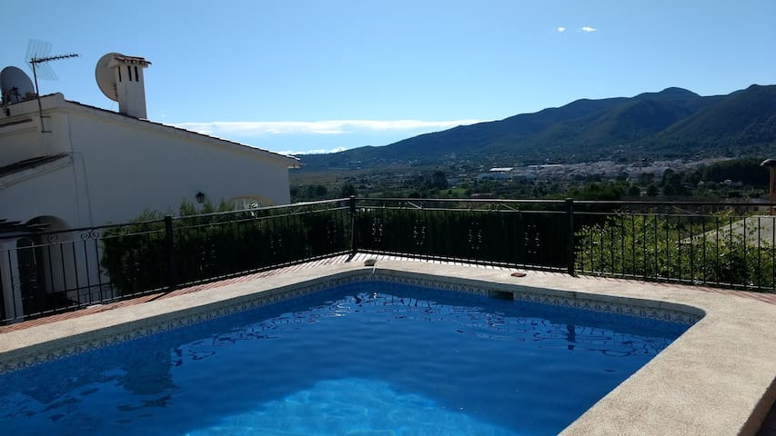 Villa Alba, enjoy the best of mountain and sea