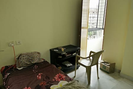 Cozy Private room in  spacious 3bhk