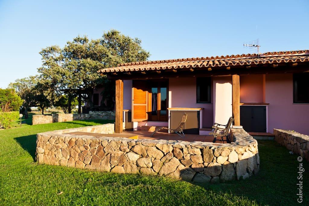 Villino isuledda la tua vacanza 77 case in affitto a for Case in affitto a san teodoro