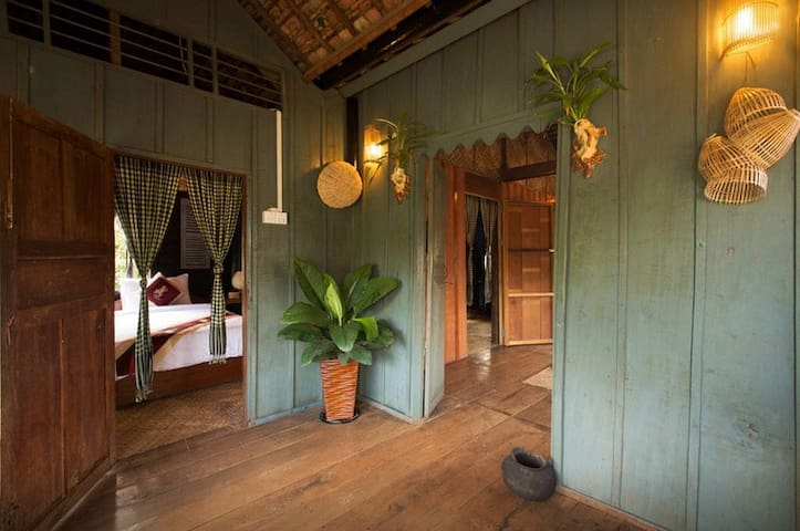Old Khmer House 2Beds & Breakfast - Krong Siem Reap - Huis