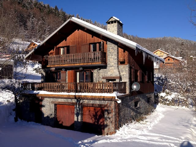 Chalet Bleu very spacious, light and well-equipped