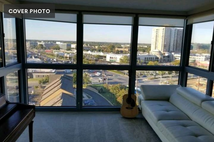 12th floor master bedroom with great views!