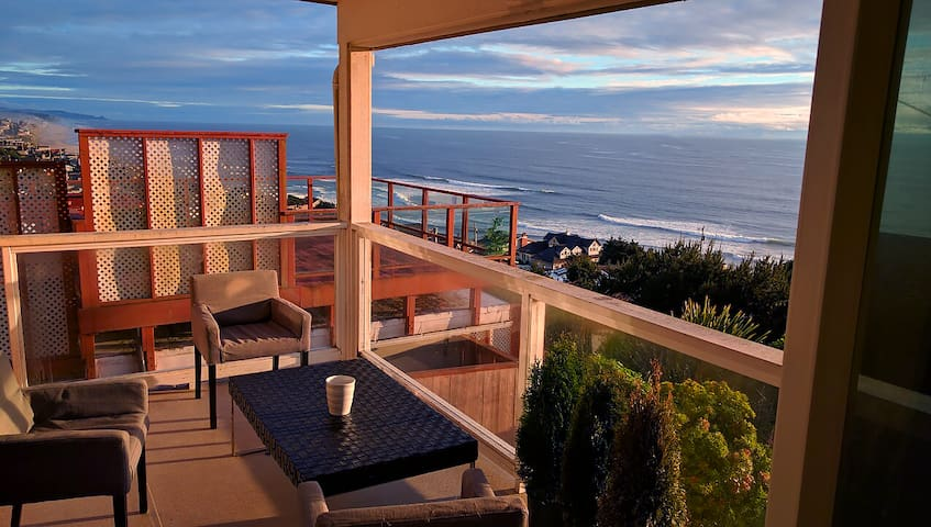 ROADS END LUXURY HILLS - Lincoln City - House