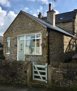 A cosy cottage for two in the Derbyshire Dales.