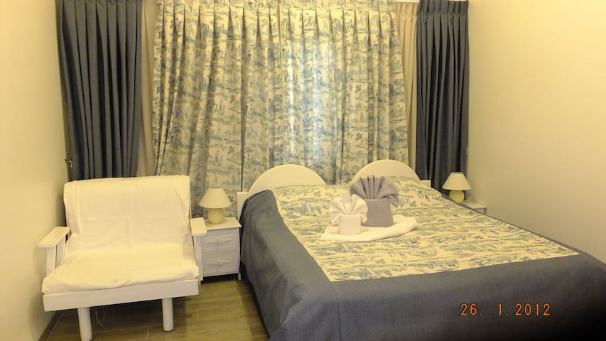 Nuriel Fruit and Guest House - She'ar Yashuv - Bed & Breakfast